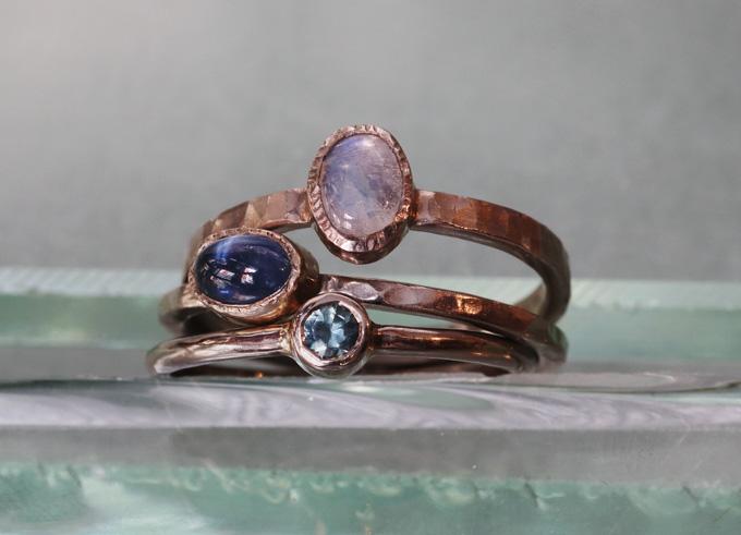 Yma ring met edelsteen